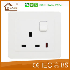 Nigeria Hot Selling 13A Socket Flat Type with PC Cover pictures & photos