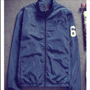 100% Polyester / Nylon Lightweight Windbreaker Jacket / Windproof Winter Jacket pictures & photos