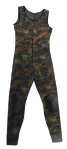 Camouflage Style Wetsuit for Diving (HX84112) pictures & photos