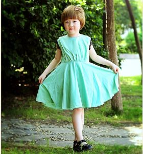 Wholesle Lovely Sleeveless Dress Coll Girl Dress for Summer pictures & photos
