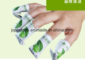 China Professional Manufacturer Nail Cleanser Pads Machine pictures & photos