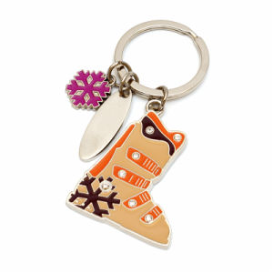 2017 The Most Fashionable Metal Keychain for Promotion pictures & photos