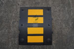 60cm Road Safety Rubber Reflective Speed Bump pictures & photos