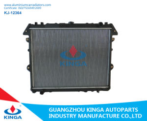 After Market Auto Radiator for Toyota Hilux Innova 1tr 2004 pictures & photos
