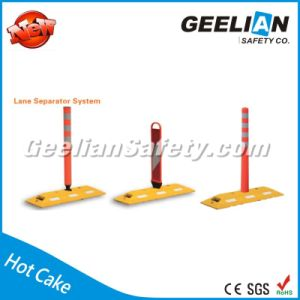 Most Selling Products Rubber Road Traffic Lane Divider, Traffic Bollard Reflector Lane Delineator pictures & photos