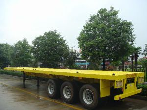 3-Tri-Axle 20-40FT 40-60ton Flat Bed Semi Trailer pictures & photos