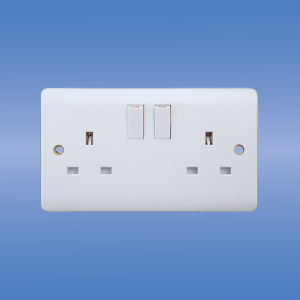 Wall Switched Socket (UK Standard) pictures & photos