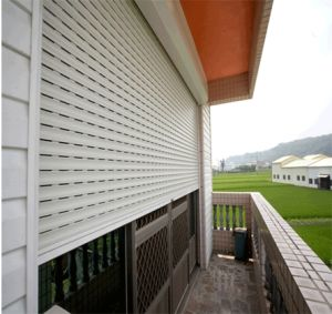Aluminium Insulated Rolling Shutter Window (43mm slats) pictures & photos