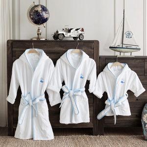 Luxury Children′s Bathrobe Cotton Bath Robes for Kids pictures & photos