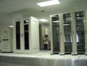 Cold Aisle Containment /Data Center pictures & photos