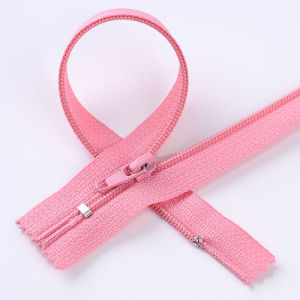 No. 3 Nylon Zipper with Cord (4 stitches) Close End pictures & photos