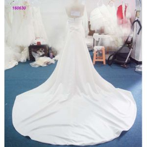 China Factory Strapless Pleasts Bodice and Backless A Line Wedding Dress pictures & photos