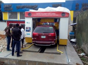 Fully-Automatic Mobile Style Car Cleaner Wash Machine for Sale pictures & photos