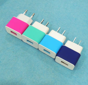 USB Mobile Charger for Samsung iPhone with CE RoHS FCC pictures & photos