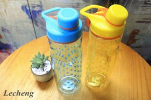 800ml Pourer with Holder Lovers′ Bottles Sports Water Bottle