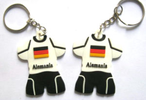Custom Rubber Name Soccer Jersey T Shirt Keychains pictures & photos