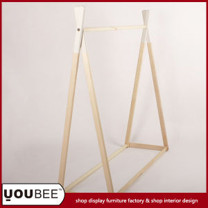 Simple and Fashion Garment/Clothes/Clothing Display Shelf/Stand/Rack for Clothes pictures & photos