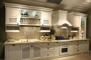 American Style Solid Birch White Kitchen Cabinet pictures & photos