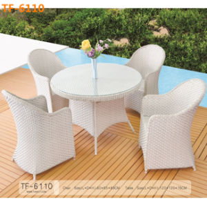 Outdoor Full Aluminum Spacious Chairs and Table Recreational Set