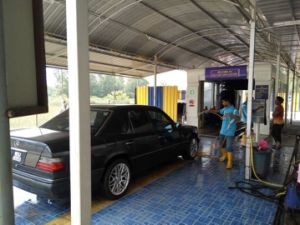 Automatic Conveyorized Car Care Equipments/ Car Washer pictures & photos