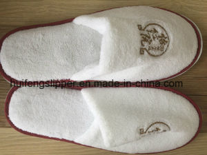 High Quality Disposable Hotel Slippers with EVA Dots Sole