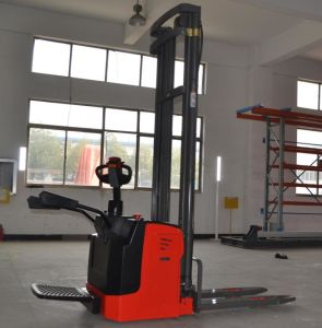 Tb Electric Pallet Stacker with Capacity From 1.0t to 2.0t pictures & photos