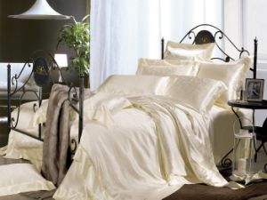 Taihu Snow Silk Solid Luxury Jacquard Ivory White 100% Mulberry Silk Bedding Set pictures & photos