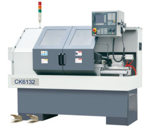 CNC-Lathe-with-Flat-Hardened-Rail EK6132X500 pictures & photos