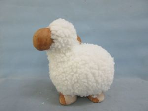 High Quality Ceramic Sheep Ornament Figurine pictures & photos