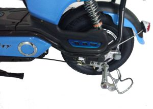 Hot Selling Quality Cheap 350W 48V 20ah E-Scooter for Commuters pictures & photos