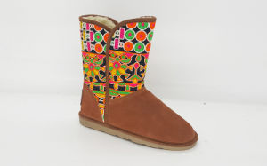Women′ssuede Boots with Embroidery Shaft pictures & photos