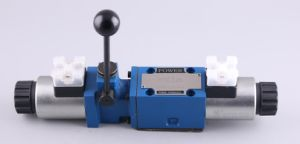 Solenoid with Manual Operation Directional Valves pictures & photos