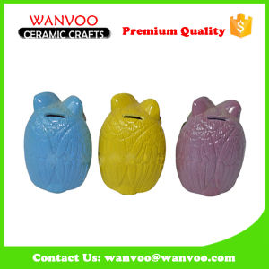 Hand-Painted Ceramic Piggy Bank in Owl Shape of Halloween Holiday Gift pictures & photos