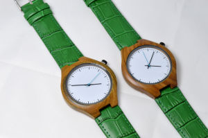 Customized Logo Green Genuine Leather Wristband Wooden Watch pictures & photos