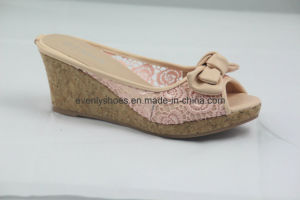 Women Wedge Slipper Flip Flop with Bowknot pictures & photos