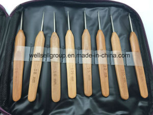 Hand Knitting Needle Wool Bamboo Crochet Hooks Set pictures & photos