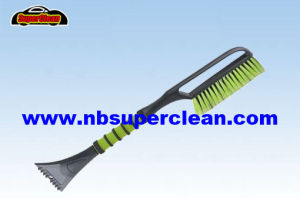 Multi-Function Snow Brush with Ice Scraper (CN2301) pictures & photos