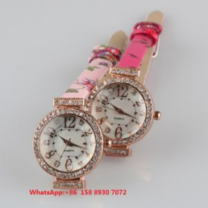 Lovely Popular Quartz Women′s Watch with Genuine Leather Strap Fs661 pictures & photos