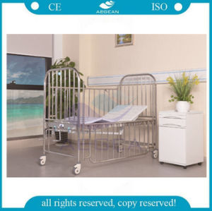 AG-CB014 with 304 Stainsteel Steel Frame Two Cranks Hospital Child Bed pictures & photos