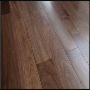 Household Engineered Walnut Wood Flooring pictures & photos