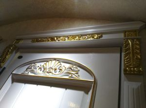 Golden Solid Wood Door pictures & photos