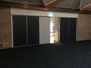 Operable Wall Partition with Vision Window for Hospital/School pictures & photos