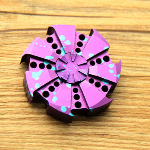 Relieve Stress Tri Spinner Aluminum Alloy Hand Spinner pictures & photos