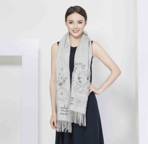 2017 Printed 100% Cashmere Women Scarf pictures & photos
