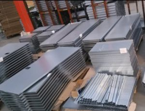 Metal Fabrication Stamping Bending Cutting Iron Plate pictures & photos