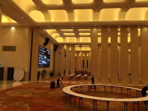Partition Wall System for Conference Room and Meeting Hall pictures & photos