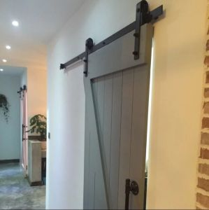 Solid Surface Wood Barn Door Designs Hardwares pictures & photos