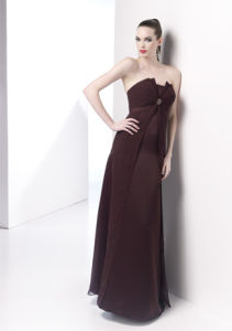 Chiffon Strapless Long Bridesmaid Dress (BD3035) pictures & photos