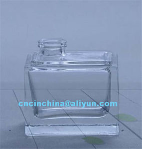 Square Shape Crystal Glass Bottle for Perfume pictures & photos