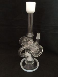 Factory Price Glass Smoking Water Pipe with Beatiful Water Recycler pictures & photos